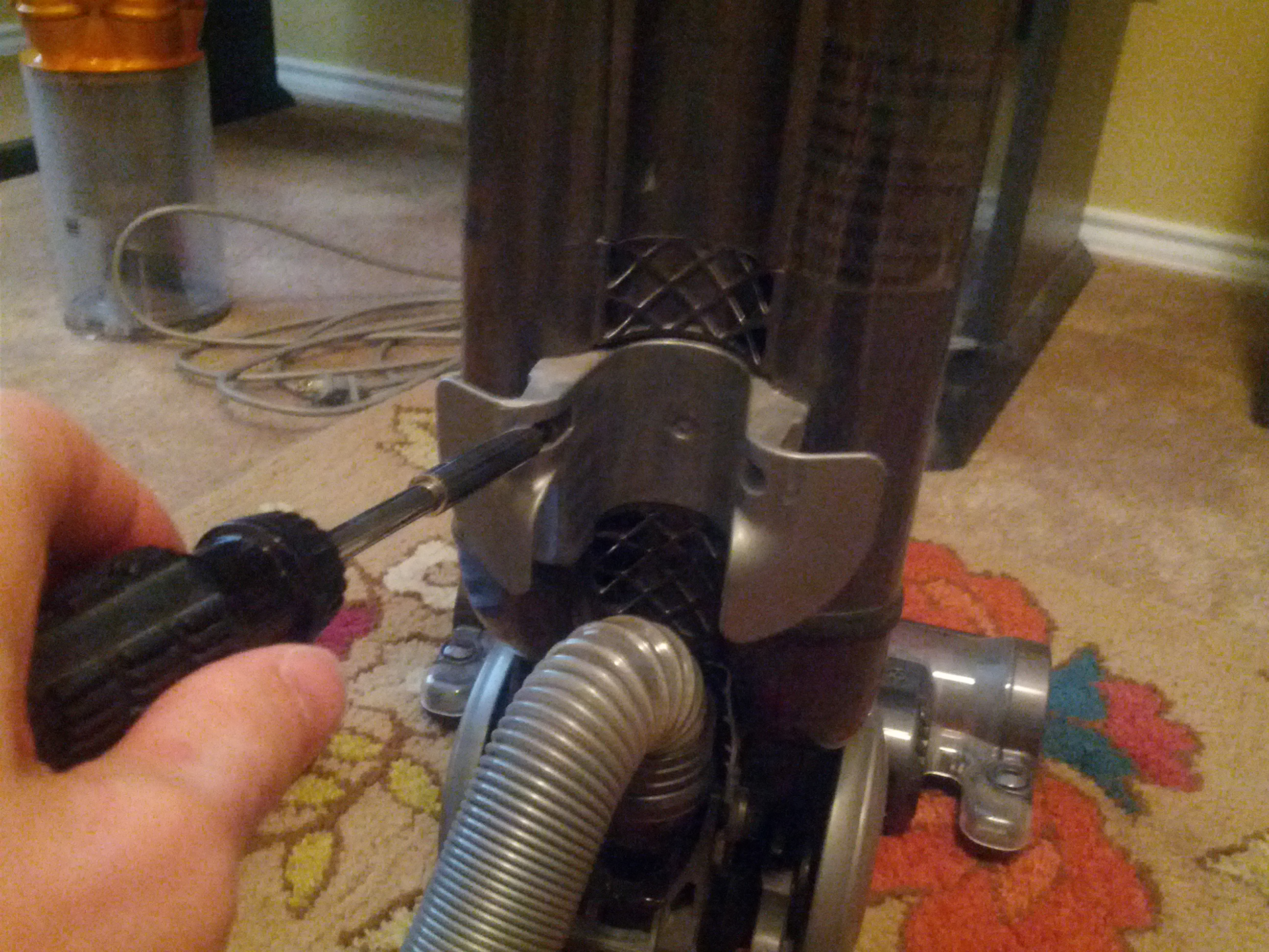 how to get the filter out of a dyson